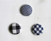 Lapel pin. Mens lapel button pin. Round boutonniere. Blue, white. Gingham, houndstooth buttonhole.