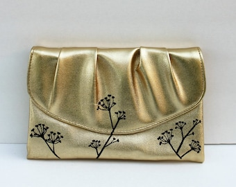 Vintage Purse with Flowers / Vintage Gold Purse / Gold / Gold Purse / Gold Clutch / Brides Purse / Wedding Purse / Bridesmaid Gift