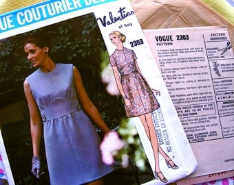 UNCUT *  Vogue  Couturier Pattern 2303  by Designer:  VALENTINO   * Misses'  Semi-fitted A-line dress with Jewel Neckline * bust 36