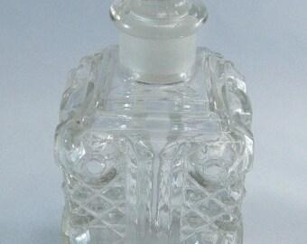 Vintage  Perfume Bottle, Dresser Bottle, EAPG Crystal Glass, Elegant Eapg, Dresser Bottles, American Pressed Glass Boudoir,USA ONLY