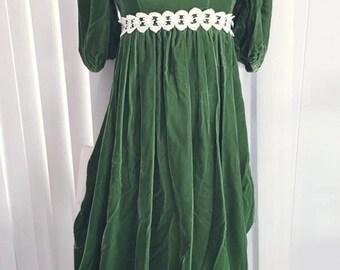 Pretty Vintage Green Velvet Maxi Gown 1960's Renaissance Style -- Size S