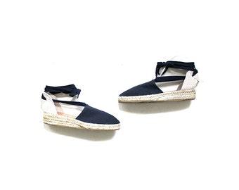 Vintage Lace Up Espadrilles 8.5 / Navy Canvas Wedges / Ankle Tie Sandals / Espadrille Wedges