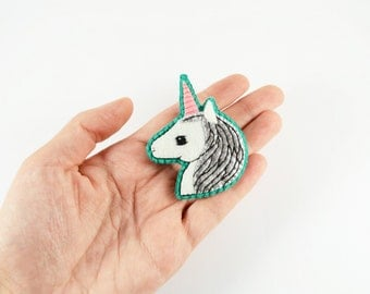 Unicorn Felt Brooch / Silver Felt Unicorn Brooch / Magic Unicorn Wool Felt Brooch / Silver Unicorn Pin / Enchanted Animal Pin -made to order