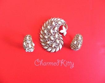Vintage TRIFARI Brooch and Earrings Set , 60s White Paisley Brooch Earrings ,60s demi,Trifari Crown,Boho Wedding - on sale