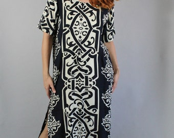 Vintage 90s Women's Hilo Hattie Black Cream Celtic Style Print Hawaiian Short Sleeve Island Maxi Vacation Beach Long Dress