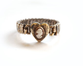 Vintage Expansion Bracelet With Cameo c.1940s
