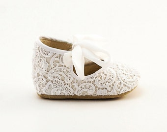 White Baby Shoes Baby Moccasins Baby Girl Shoes Baby Shower Shoes Newborn Shoes Baby Slippers Christening shoes by Vibys
