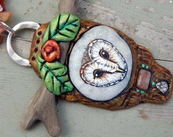 BARN OWL Totems Sculpted Pendants Hand Painted Beach Stones Painted Rocks Sea Pebble Necklaces Owl Jewelry Spirit Animal Gifts for Her