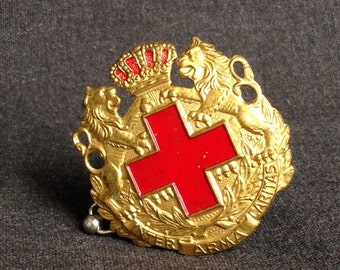 Fabulous large Red Cross pin. Inter Arma Caritas antique memorabilia.