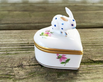 Herend Porcelain Box w/ Bunny Rabbit Lid Porcelain Heart Ring Box