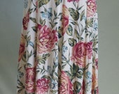 "Vintage ADLIB COORDINATES Floral Print on Cream Background 37"" Length Skirt Waist 26 and 1/2""  Hips 36"""