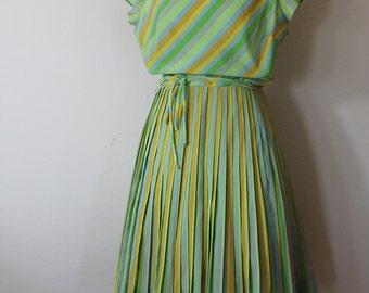 1950s Green Stripe Day Dress // Johnstons Costumes // Size Medium
