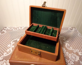 Vintage Leatherette Jewelry Box  -  Brown Jewelry Box with Green Velvet  -  16-285