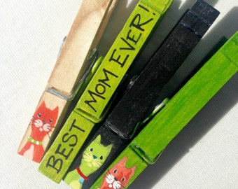 BEST MOM EVER cats clothespin hand painted magnetic green and black