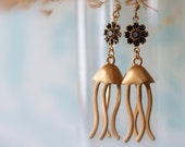 Gold Jellyfish Earrings, Dangle Earring, Drop Earring, Chandelier Earring, Swarovski Flowers, Bridal Jewelry, Wedding Earrings, Modern, Chic