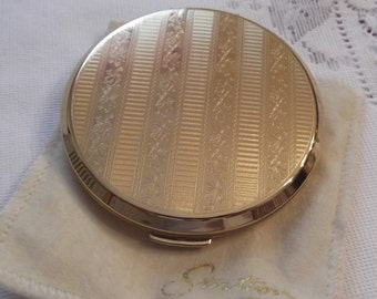 ON SALE- Stratton Powder Compact; Rondette; Featuring A Gold Tone Raised Etched Leaf Design circa 1950's-1980's-   DR138
