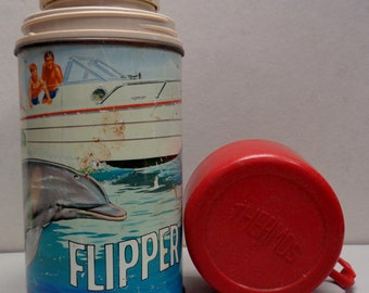 Uncommon,1966, FLIPPER,Vintage Thermos,Bottle #2822,Ivan Tors Films,Metro Goldwyn Mayer,Cult TV Show,King Seeley Thermos,bottle-nose dolphin