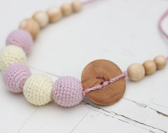 SALE Juniper Wood Mama Nursing Necklace / Teething Necklace - Breastfeeding Mom Jewelry - Light Yellow and Light Lavender