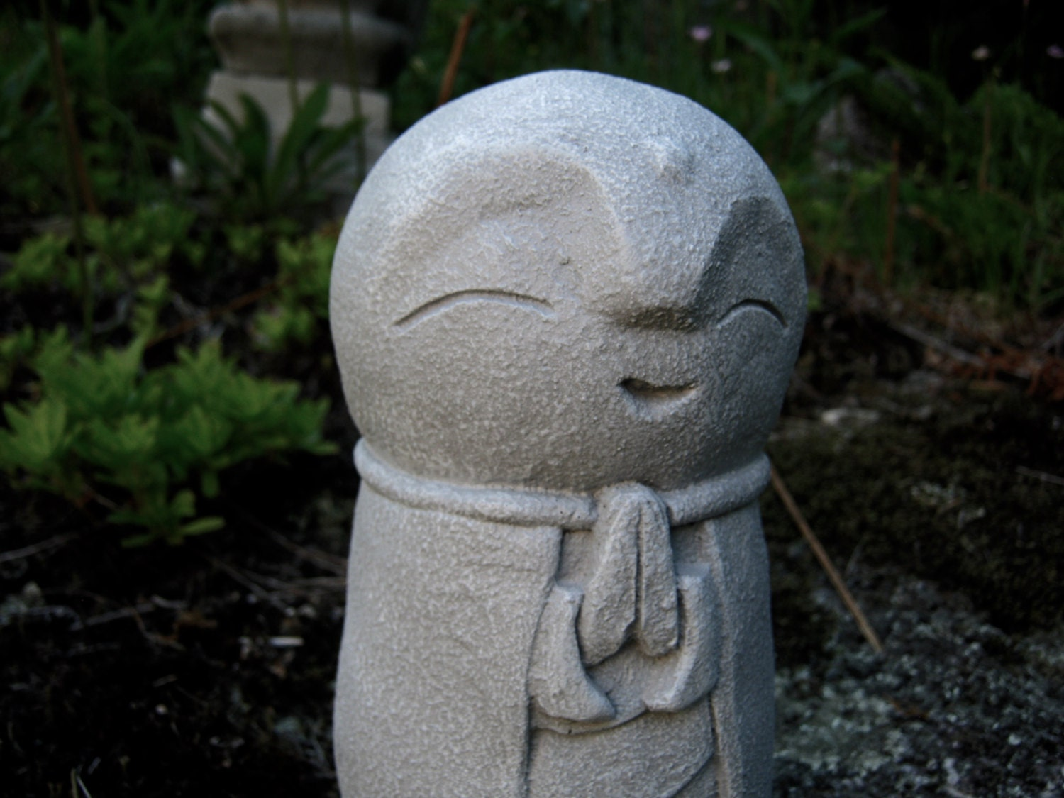 jizo statue buddha concrete statues buddhist protector of. Black Bedroom Furniture Sets. Home Design Ideas