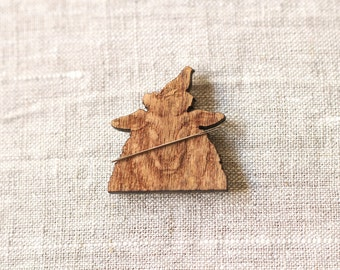 Sheep & Bird Needle Minder : magnet lapel pin holder wooden farm ewe bird's nest garden embroidery tool The Cottage Needle