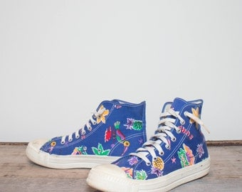 7.5 Men | 8.5 Women | Bold Print Vintage Canvas High Top Sneakers