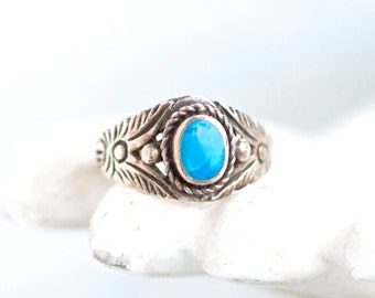 Boho Turquoise Ring in Sterling Silver - Vintage Ring Size 6.5