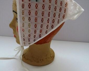 Vintage White Eyelet Triangle Head Scarf - Kerchief Bandana - Summer Fashions - Beach Wear Head Cover Up T Scarf - 1960s Womens Accessories