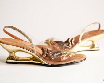 Vintage 60s Art Deco Gold Plastic Wedge Heels Size 7 - #683