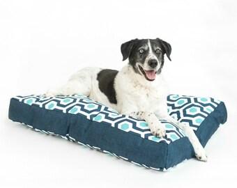 XL Tough Dog Bed / Extra Large Dog Bed / Waterproof Dog Bed / Modern Dog Bed / Washable Dog Bed / Hypoallergenic Dog Bed / Blue White