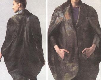 Pamella Roland cocoon coat pattern -- Vogue American Designer 1332