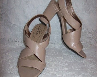 Vintage Ladies Taupe Strappy High Heel Sandals by Life Stride Size 6 1/2 Only 5 USD