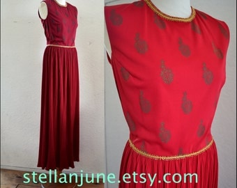 Vintage FABULOUS Alfred SHAHEEN Maxi Dress HAWAIIAN Burgundy Size 6 Holiday 70s Red grecian gold trim