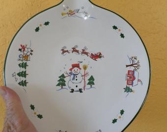 "Pfaltzgraff CHRISTMAS DISH/""Snow Village""/Santa/Reindeer/Green Trim/Handle with Hole"