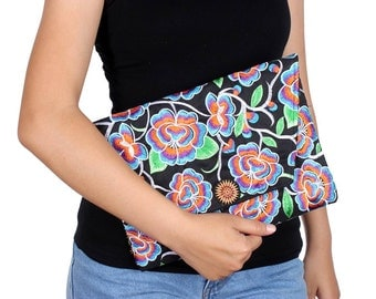 Rainbow Blossom Clutch With Embroidered Pattern Fabric (BG306DW-86C7)