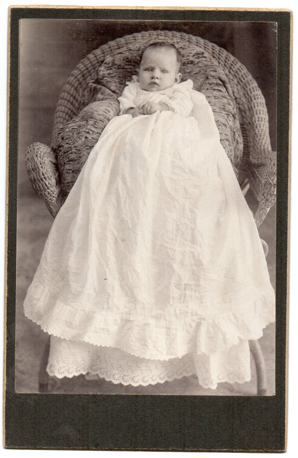Victorian Infant In Christening Gown Cabinet Card Antique