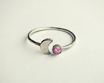 sterling silver moon pink opal ring, hammered ring, fire opal ring, moon ring, sterling silver jewelry