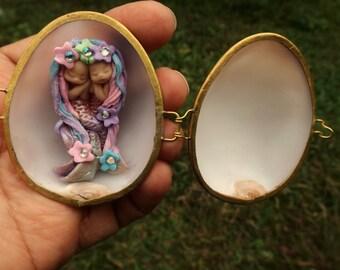 sweet fairy fairies mermaids  in  shell purse  tiny  ooak