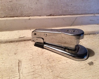 Vintage Stapler, Arrow, Chrome Stapler, Retro, Staplers, 1950s, Small Stapler, Home, Office Supplies, Industrial, Mad Men, Props