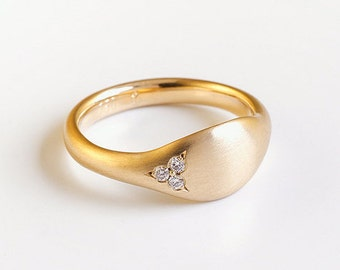 Diamonds gold pinky ring, solid 14k 18k yellow gold ring, 14k 18k Gold wedding ring, unique tiny diamond ring women signet
