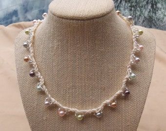 Airy Crochet Pearl Necklace