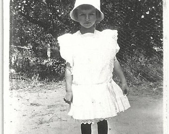 Old Photo Girl wearing White Dress and Hat 1910s Photograph snapshot vintage Child