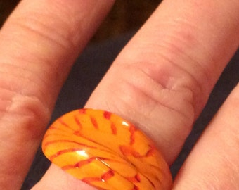 Vintage Artistic Swirled Glass Ring