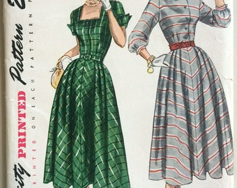 Vintage 1940's Dress Sewing Pattern Simplicity 2928 - Full Skirt, Shirtwaist