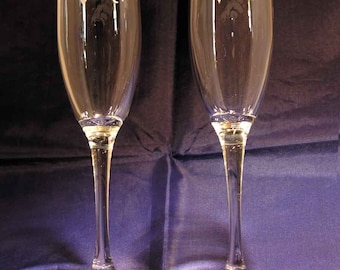 Pair of San Denver Broncos hand etched champagne flutes Made in USA