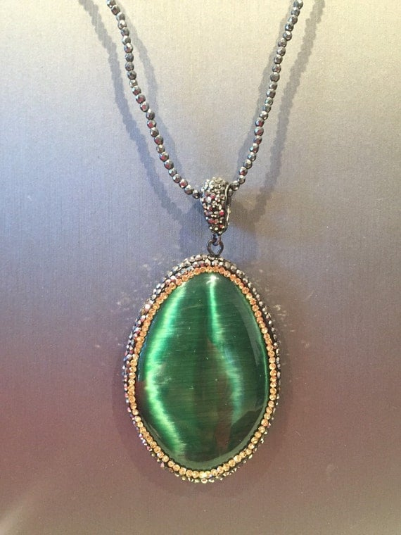 emerald cat eye necklace by vassariboutique on etsy