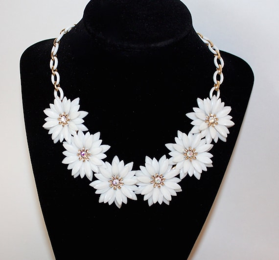 RESERVED Soft Plastic Flower Necklace Vintage White Daisy