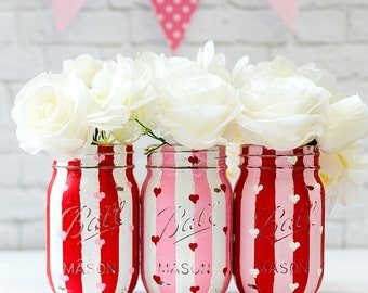 Valentine's Painted Mason Jars - Hearts Painted Mason Jars - Painted and Distressed Mason Jars