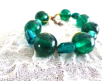 green turquoise and emerald glass bracelet- beaded bracelet-