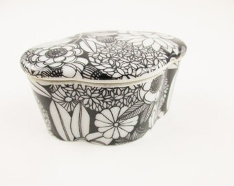 An 'Andrea' Small Black and White Trinket or Ring Box - Black on White Porcelain - Lobed Shape Box - Made in Japan -'Andrea by Sadek'