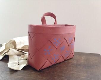 Vintage Swedish braided basket Pink floral Hanging basket Farmhouse wicker Wall wicker basket Handpainted wall basket